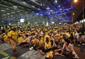 Thai Prime Minister Somchais resignation, Thai airports to reopen after PM ous